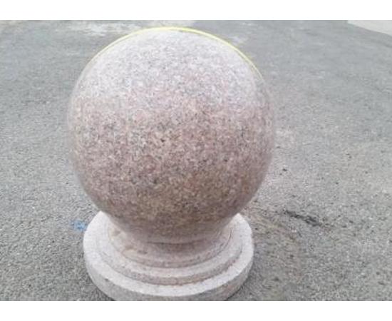 圆球隔离墩